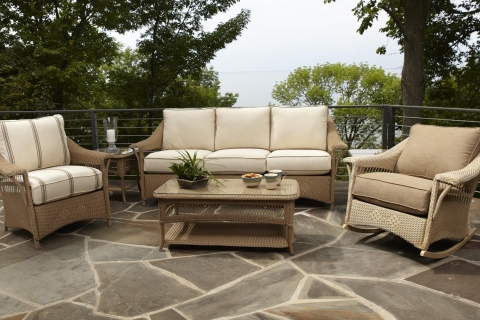 Four Tips for Choosing New Patio Furniture in Kalamazoo this Spring